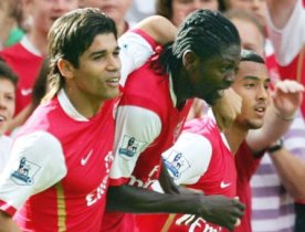 Dudu_bersama_Arsenal