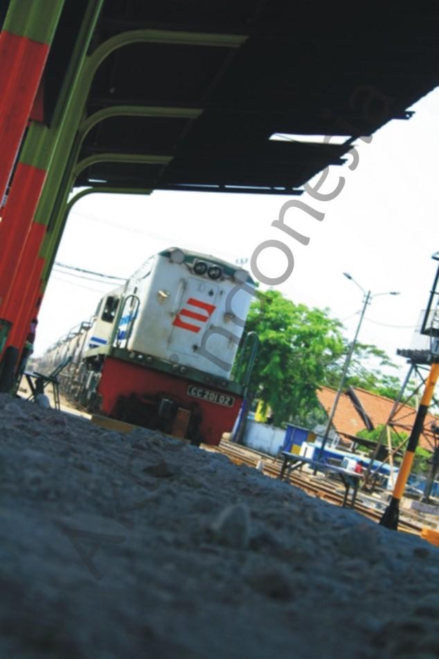 awas_kereta_datangakbarindonesia